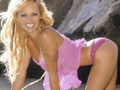 Pamela Anderson - 26